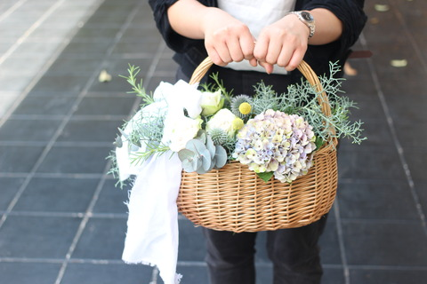 * basket bouquet *