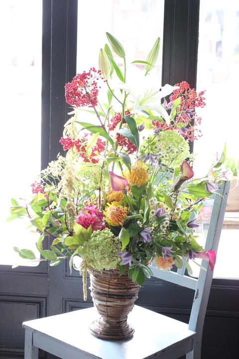 * 秋の新たな門出にお花を添えて... *