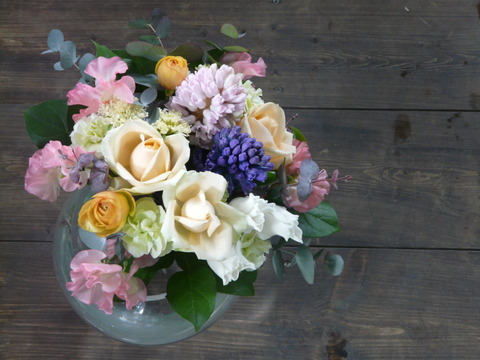 春の花束「ヒヤシンスを入れてミックスカラー」