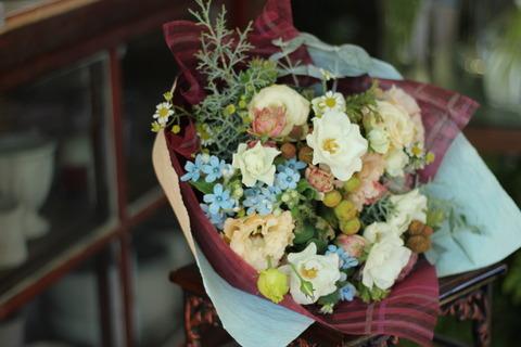 小花と実物のギフトブーケ♪