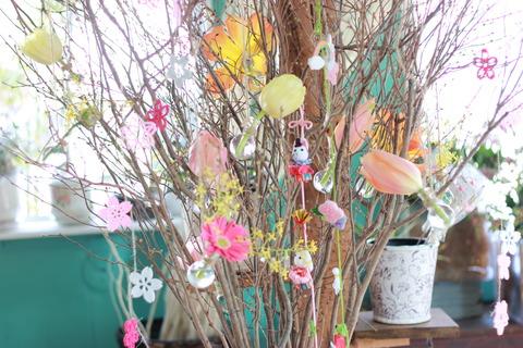 吊るし雛とお花のディスプレイ完成しました!