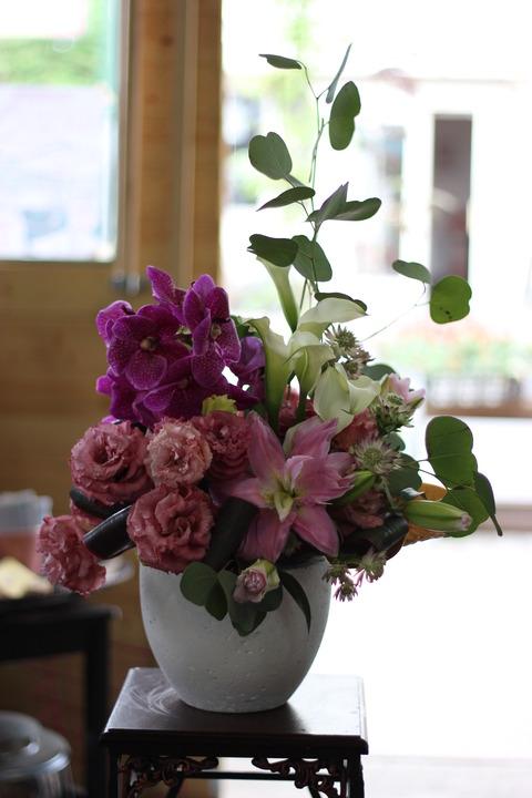 個展のお祝いのお花♪