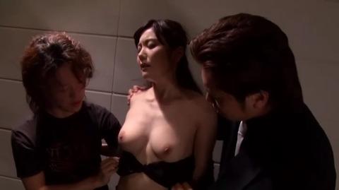 差し押さえられた若妻 鶴田舞 MDYD-733 (32)