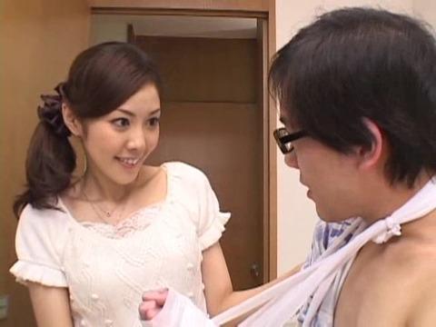 若妻のハレンチ帰郷 椿エリ HHK049 (28)