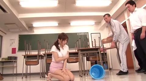 僕だけの巨乳女教師ペット 青山菜々MDYD-714 (2)