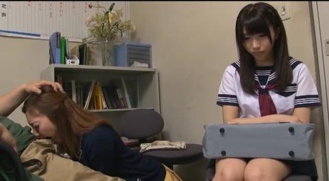 娘の目の前で輪姦される母 倉木みお mada053 (27)