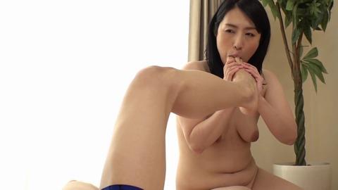 素人熟女妻たちによる童貞筆下ろし8 MADM-106 (16)