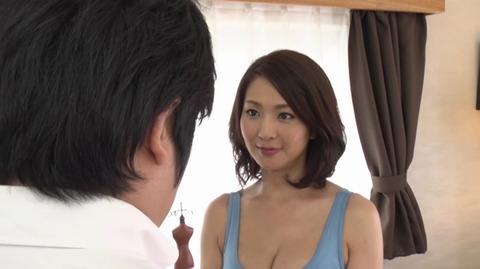 息子を溺愛する母、艶堂しほり OKSN-261 (19)