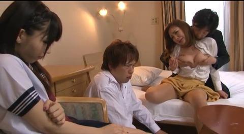 娘の目の前で輪姦される母 倉木みお mada053 (55)