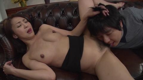 息子を溺愛する母、艶堂しほり OKSN-261 (58)
