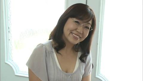 おばさん家庭教師 小宮山葵 QIZZ-37 (1)