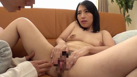 素人熟女妻たちによる童貞筆下ろし8 MADM-106 (12)