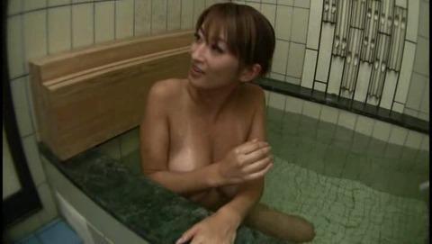 僕の友達をお風呂で誘惑する UGSS023 (20)