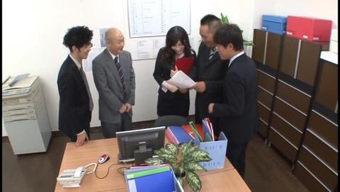上司とゴックン飲みニケーション 春原未来 MIAD591 (1)