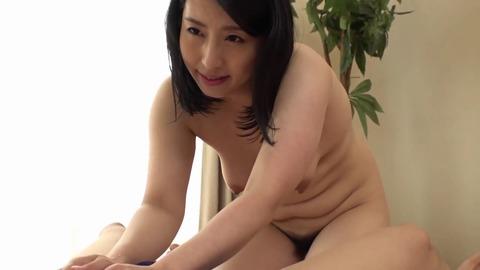 素人熟女妻たちによる童貞筆下ろし8 MADM-106 (17)