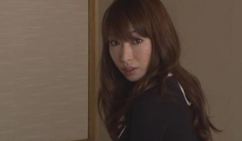 美しい痴女の接吻と性交 佳山三花 SOE485 (1)