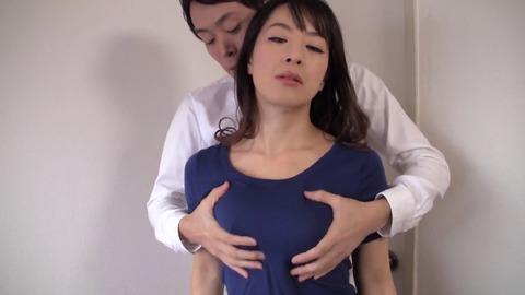いじめっ子の母親にいたずら中出し 篠宮千明 tama-013 (2)
