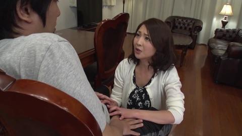 息子を溺愛する母、艶堂しほり OKSN-261 (3)