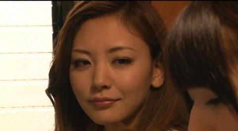 娘の目の前で輪姦される母 倉木みお mada053 (1)