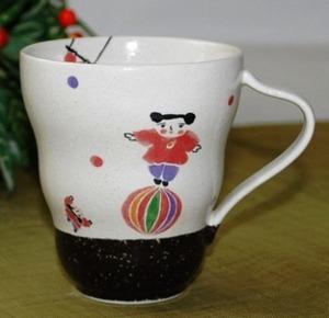 可愛い女の子のマグカップ