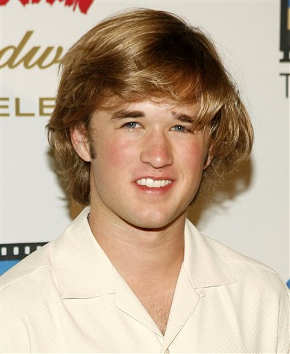 haley_joel_osment_safety_first_dude_1