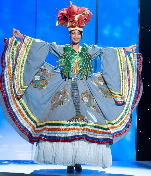 26-Miss-Haiti-2011-Anedie-Azael