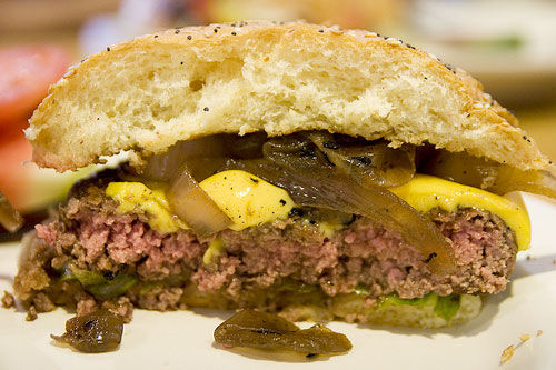 20090813-rayshellburger-cheeseburger-innards