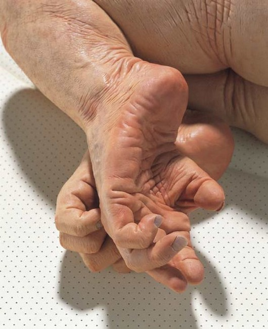 ron-mueck-artwork-sculpture-38