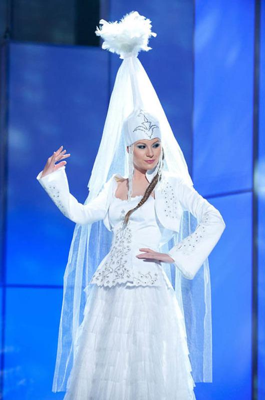 28-Miss-Universe-Kazakhstan-2011-Valeriya-Aleinikova