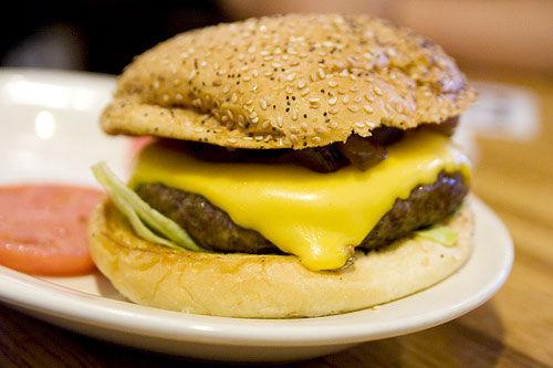 20090813-rayshellburger-cheeseburger