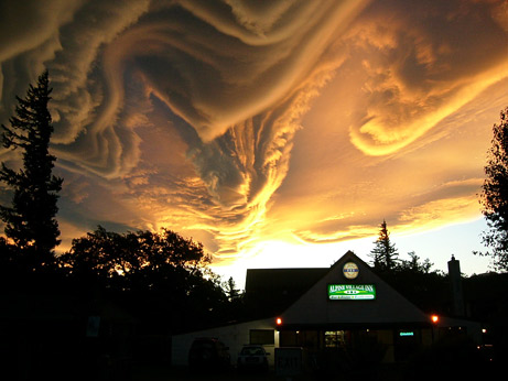 Strangest+Cloud+Ever