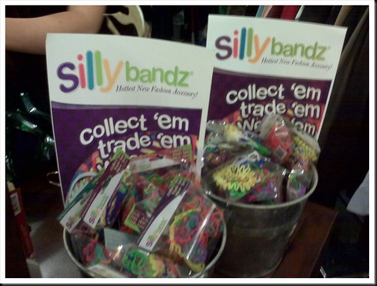 bucket+silly+bandz