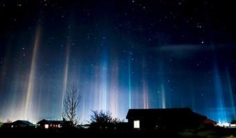 090219-01-night-light-pillars_big-tm