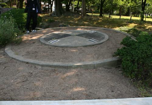 松任城址公園の時計花壇