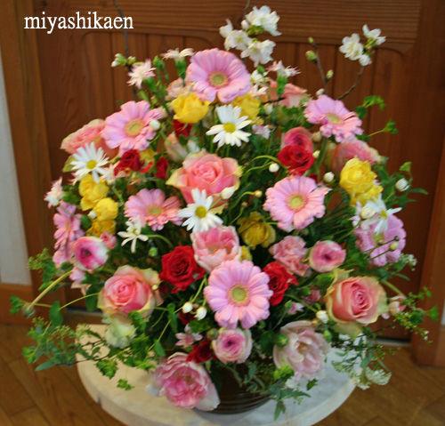 卒園式 演台のアレンジ花