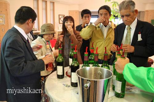 能登ワインの試飲