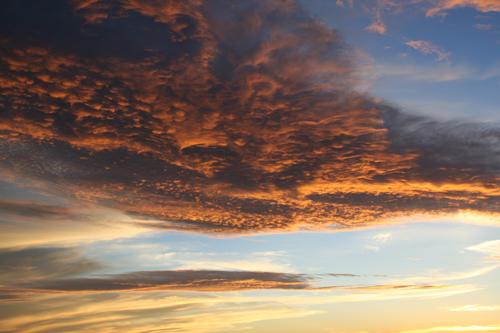白山の夕陽に照らされた雲