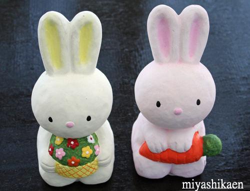 ウサギの置物