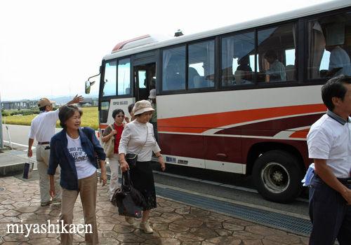 白山市のマイクロバス