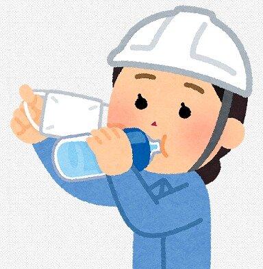 s-20200530マスク水を飲む女性