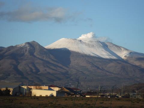 作詞東部から見た浅間山 002