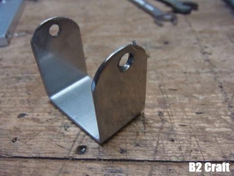 05ジャッキと丸鋸を連結するパーツを作る