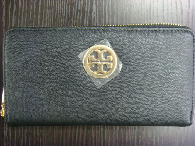f8d4466464ce トリーバーチのラウンドファスナー長財布不正品になります。