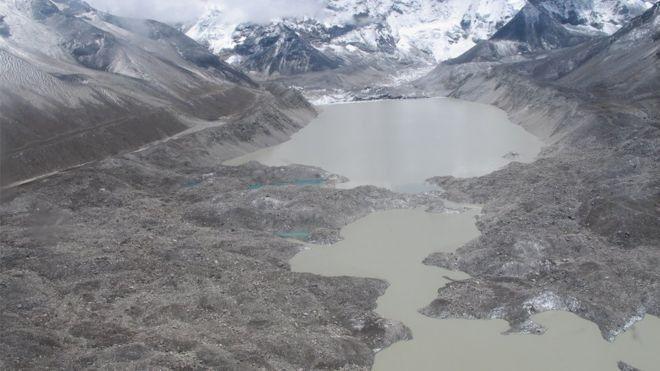 エベレスト湖