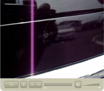 ワイパーの洗車で白ボケを予防するための洗車です!クリックすると、ビデオが始まります。