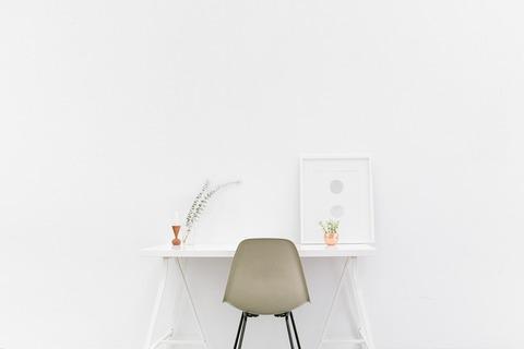 desk-1081708_960_720