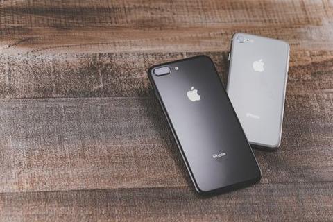 iPhone8IMGL8435