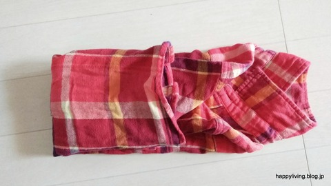 ネルシャツ コンパクトに畳む (4)