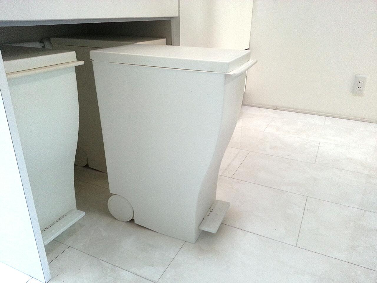 クード スリムペダル ゴミ箱 ホワイトインテリア
