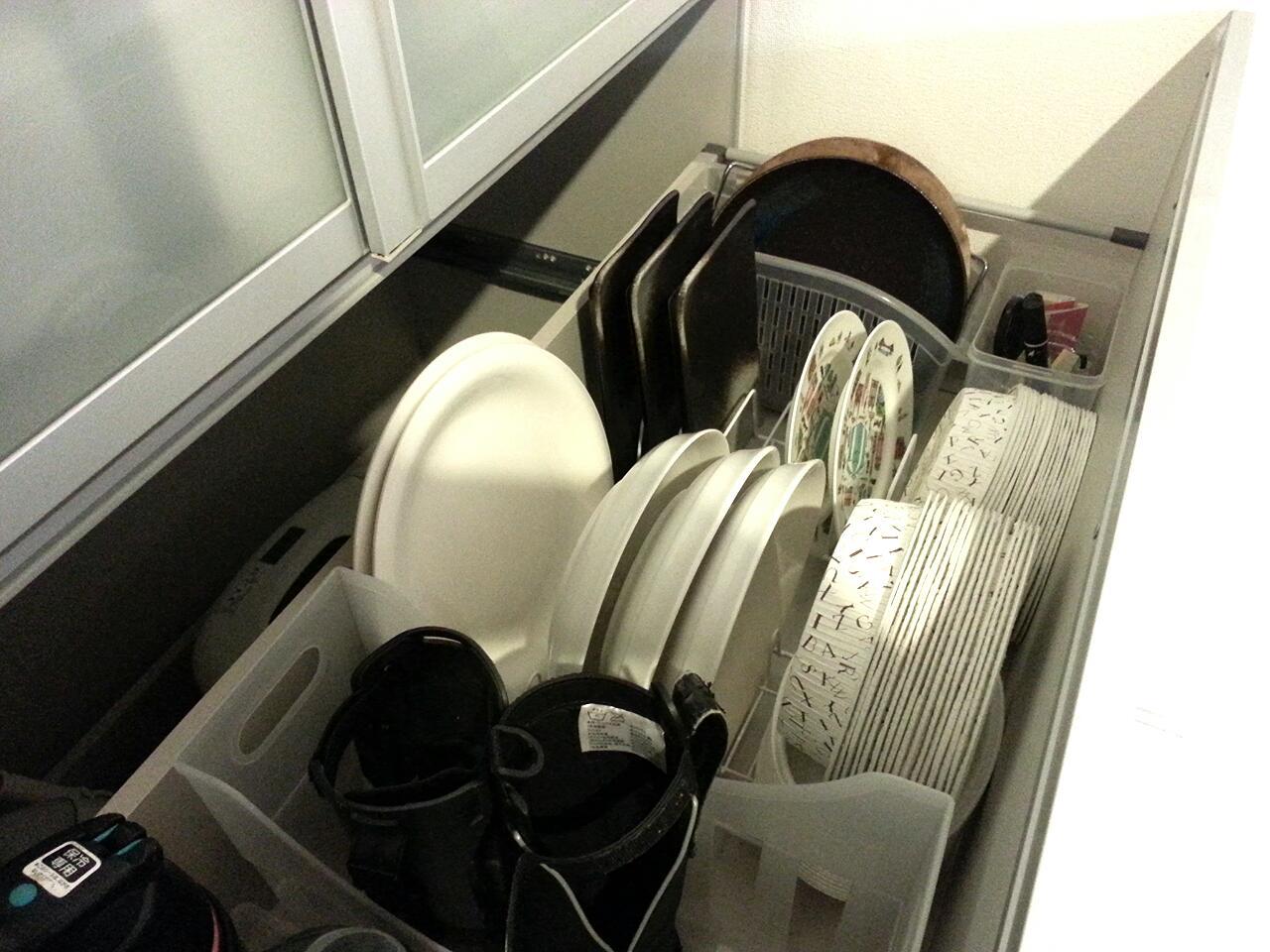 もらった紙皿 収納 カップボード 引き出し